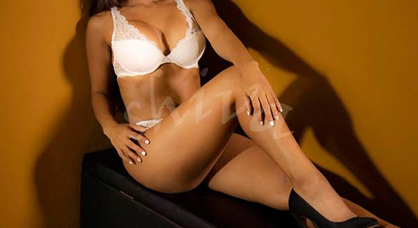 masaje-erotico-shiva-barcelona-desnudo-blanco